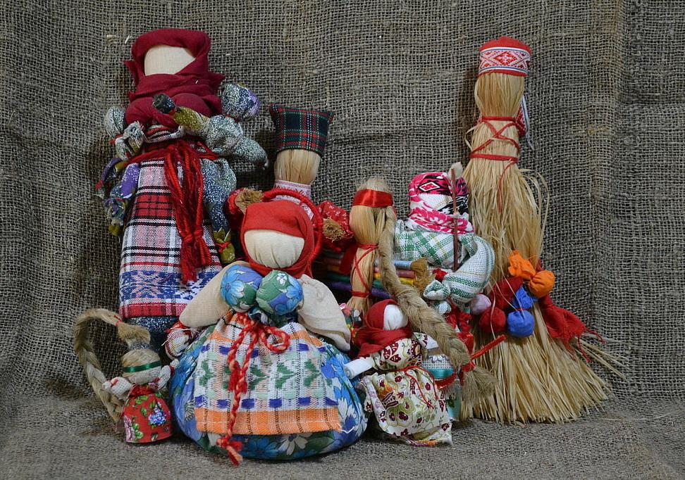 картинки куклы обереги потолок